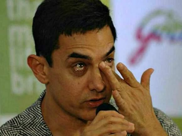 aamir khan wiping his tear Satyamev meme template