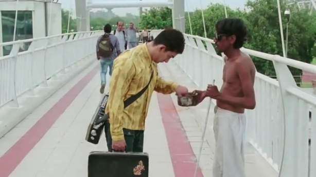 pk beggar scene aamir khan meme template