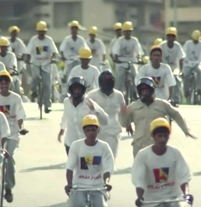 babu rao shyam and Raju running with helmet hera pheri meme templates
